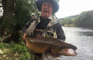John Brock wint de 'Vangst van de Week' met zijn 22,5 pond zware zalm van de Munster Blackwater.