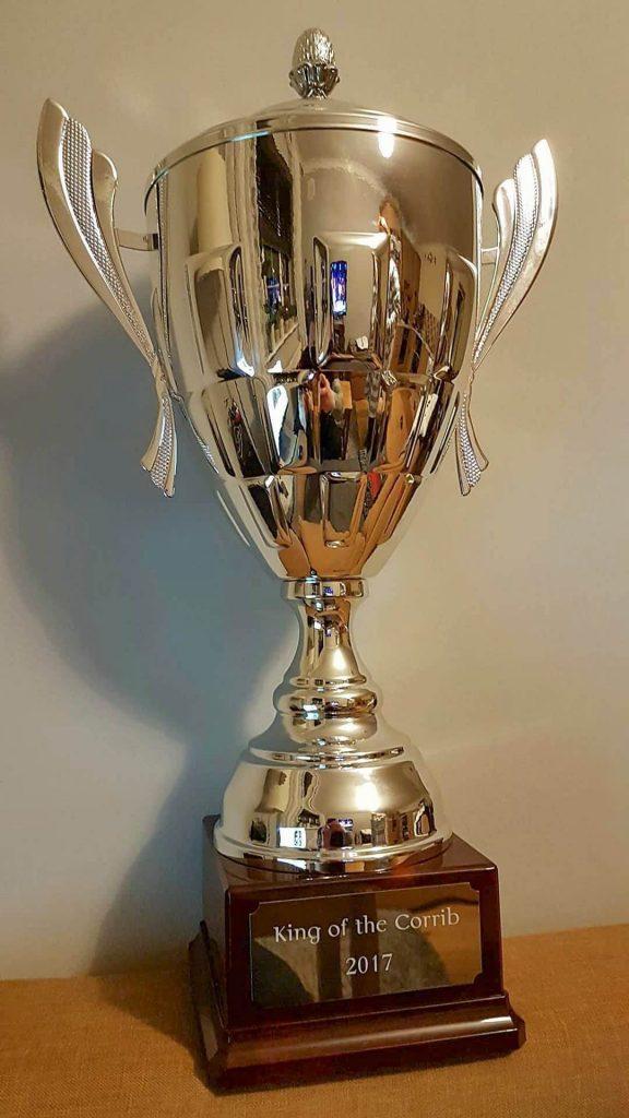 De prachtige trofee voor de winnaars van de eerste King of the Corrib snoekcompetitie.