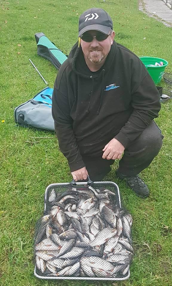 Paul McLoughlin wist 54 pond blankvoorn te landen.