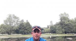 Noel Stapleton, lid van de Templemore Anglers, met zijn vangst tijdens een competitie op Templemore.
