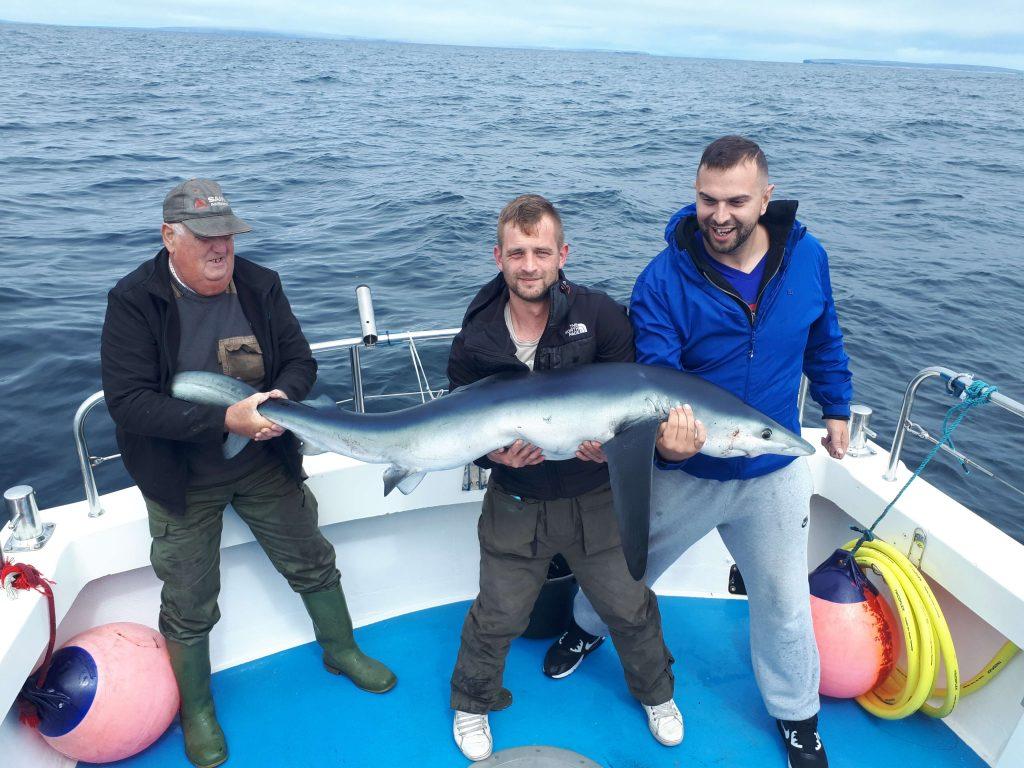 Declan Murphy met een fraaie vis van ruim 65 pond zwaar.