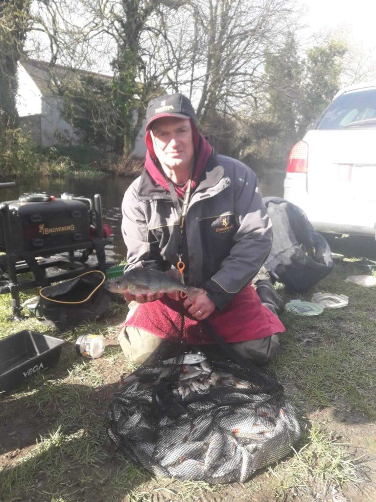 Eamonn Bracken met zijn winnende vangst.