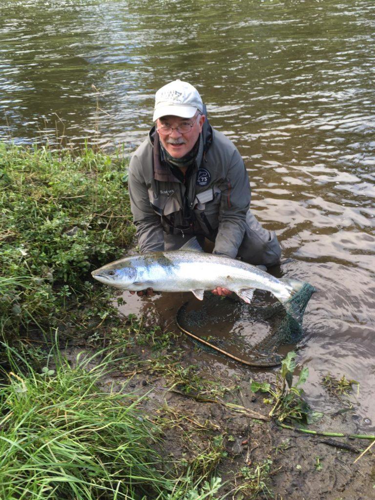 De bekende sportvisser Pat O'Toole had een van beide vissen die hij haakte met een Park Shrimp Fly.