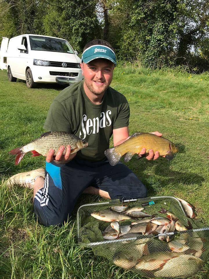 Winnaar Conor Browne met enkele mooie vissen uit het kanaal.
